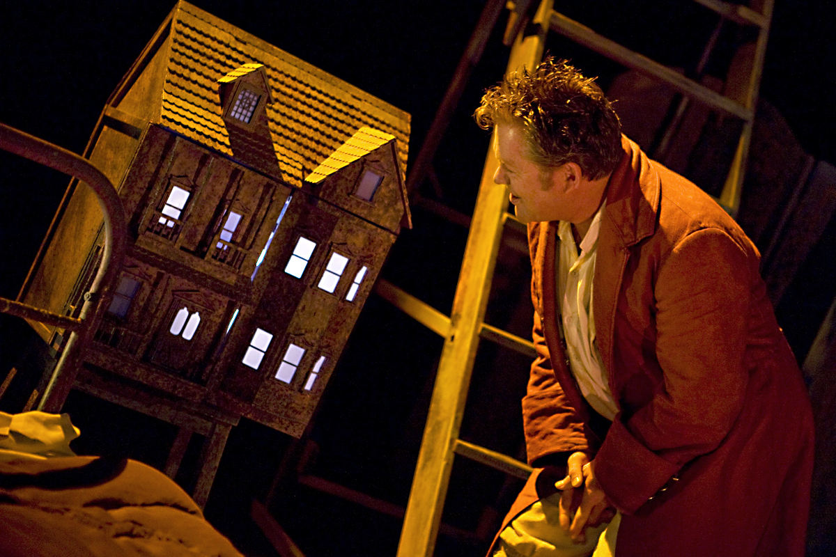 Brendan Charleston in Gulliver by Kit Lambert, Hijinx Theatre. Photo: Simon Gough